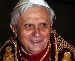 Papa-Bento-XVI1-304x247