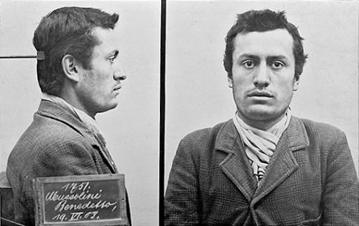 Benito_Mussolini_mugshot_1903