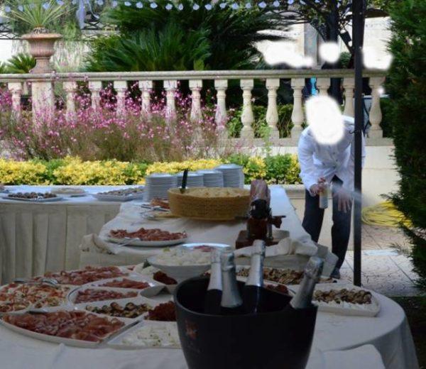 1475579090-1475578992-cameriere-2